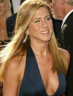 Jennifer Aniston Busty